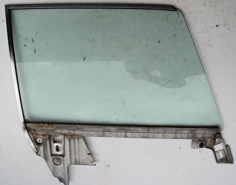 1968 Ford LTD    4dr ht      sidoruta   höger fram