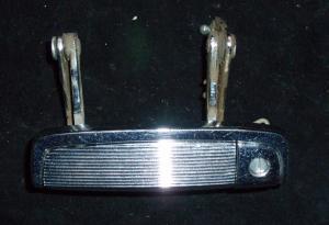 1961 Dodge dörrhandtag fram vänster