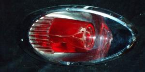1961 Dodge sw baklampa höger (bra krom, trasigt glas)
