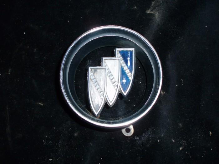 1962 Buick Electra grill emblem