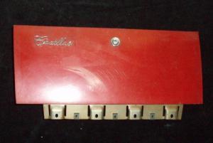 1963 Cadillac handskfackslucka