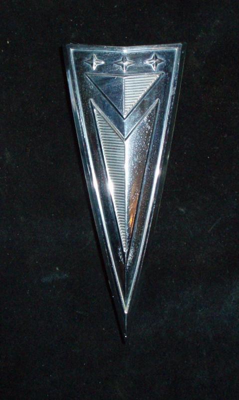 1963 Pontiac Bonneville huvemblem