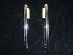 1965 Imperial invändigt dörrhandtag höger + vänster (par)