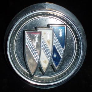1965 Buick LeSabre tanklockslucka (några små prickar)