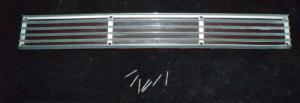 1966 Lincoln baklampa glas & krom vänster (spricka övre vänster kant)
