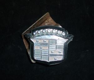 1966 Cadillac koffert emblem