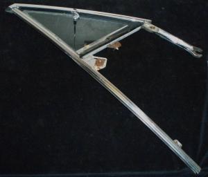 1966 Chrysler 2dr ht ventilationsruta enhet höger