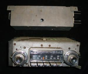 1966 Oldsmobile 98 AM-FM radio (ej testad)