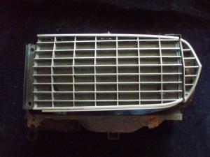 1967 Thunderbird grill del höger