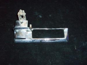 1967 Imperial dörrhandtag vänster