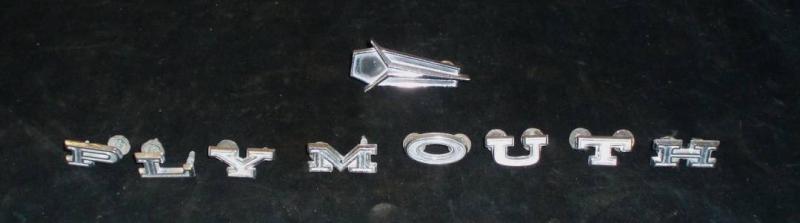 1967 Plymouth Fury III emblem med text koffert