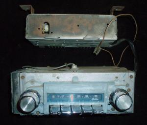 1967 Pontiac Bonneville AM-FM radio (ej testad)