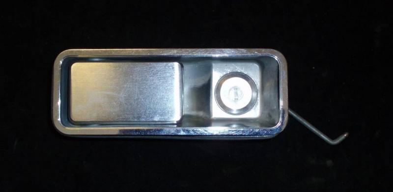 1968 AMC Ambassador dörrhandtag vänster