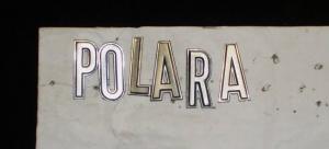 1968 Dodge Polara emblem text framskärm