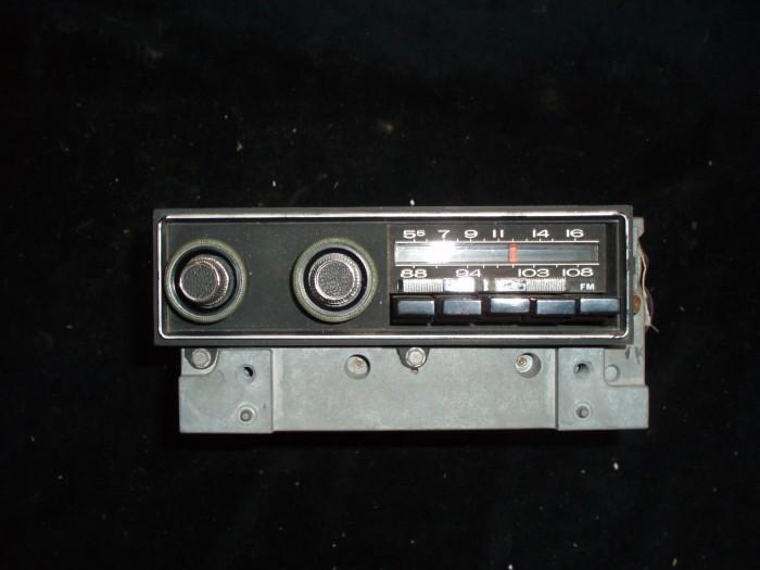 1970 Plymouth Fury radio am-fm (ej testad)