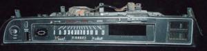 1971 Chrysler Newport instrumenthus, trasig plastram