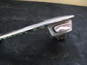 1968 Chrysler dörrhandtag vänster