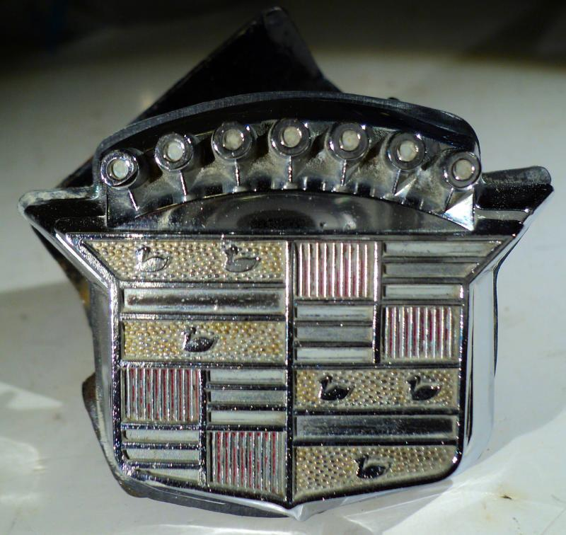 1970   Cadillac    emblem lås koffortluckan      (utan nyckel)
