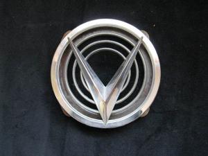 1958 Buick Special emblem huv