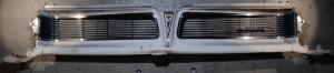 1963 Pontiac Catalina  grill (emblem skadat se bild)   Obs  Endast hämtning!