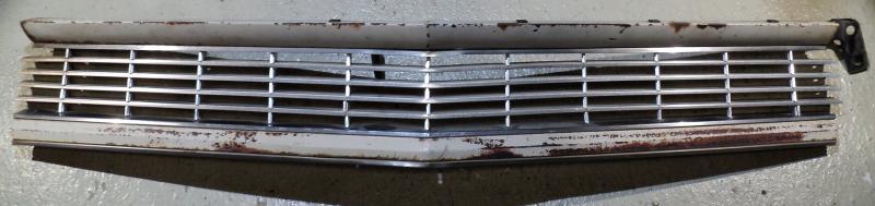 1964 Cadillac   övre grill med mitten del     Obs  Endast hämtning!