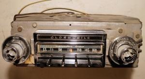 1963   Oldsmobile 98     radio (ej testad)