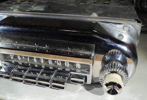 1957 Mercury         radio (ej testad)