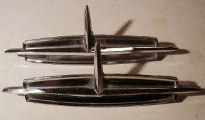 1963   Oldsmobile 98   emblem   (par)