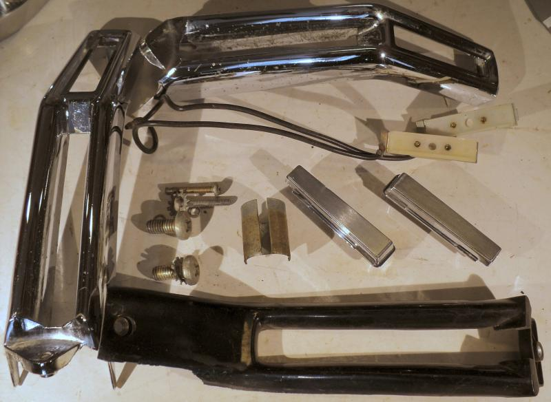 1961   Cadillac    delar till ratt och signal