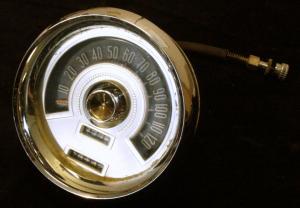 1955 Chrysler Newyorker hastighetsmätare (porer i krom)