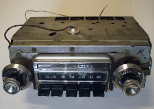 1964 Oldsmobile 98 radio (ej testad)