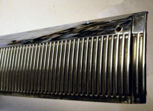 1964 Oldsmobile 98 4dr kromlist tröskel fram vänster