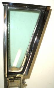 1958 Edsel Citation 4dr ht ventilationsruta enhet höger (knapp till lås fattas)