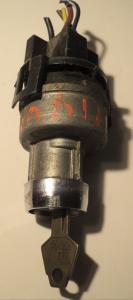 1968  Plymoth    tändningslås   (med nyckel)