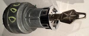 1965  Chrysler 300    tändningslås   (med nyckel)
