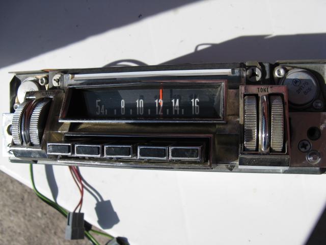 1968 Chrysler New Yorker Radio