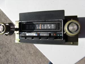 1976 Lincoln Mark IV Radio