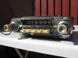 1962 Ford Fairlane Radio