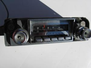 1966 Chrysler New Yorker Radio