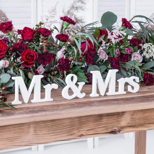 Träbokstäver Mr & Mrs, vit, 50x9,5cm