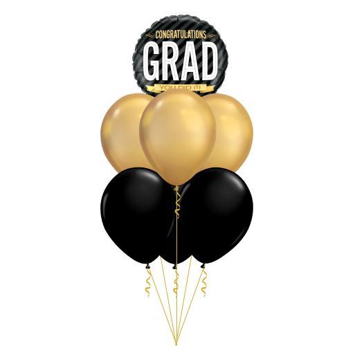 """ballongbukett med sex st metallic latexballonger i svart och guld och en folieballong med texten """"congratualtions grad - you did it"""""""