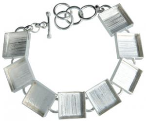 Armband åtta kvadrater, längd ca 20cm, kvadraten 11x11mm, försilvrad koppar.