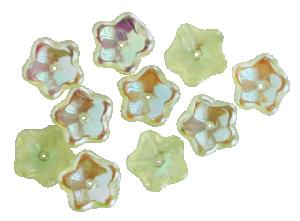 Glasblomma ljusgul med delvis pärlemor, 10 st, ca 9mm med hål