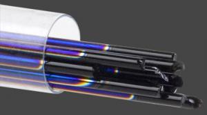 Stringers 2mm, dichroiskt regnbågsfärgat på svart glas, 6st.