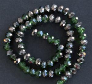 Glaspärlor facetterad rondell 6,5x4,5 mm Grön / mörk silver