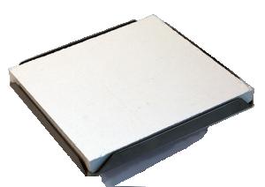 Lödunderlag som roterar med ett keramiskt lödunderlag 15x15 cm. Går att rita på och att fästa stift i.