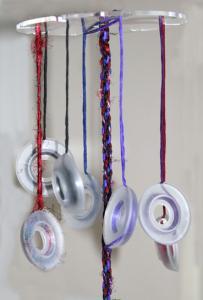 DIVA Vävskiva® gör dina egna halsband. Kumihimoteknik. Missa inte två video. Se längst ner.