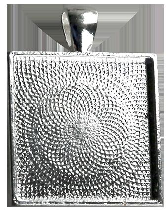 Hänge kvadrat 25 mm, försilvrad vitmetall, ca 1,5 mm djupt.