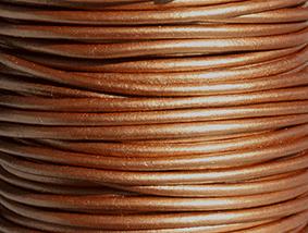 Läderrem 2 mm metallic brons. Pris per meter.