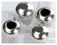 Kulor 4 st försilvrade med ej genomgående hål för att limma som avslut på 2 mm läder.